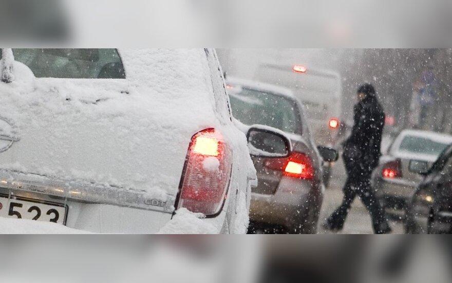 В пятницу в Вильнюсе зарегистрировали 67 аварий