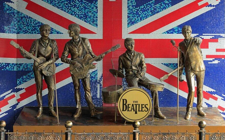 """""""The Beatles"""" keliais"""