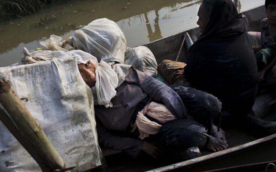 Из Мьянмы бежали более 120 000 мусульман-рохинджа