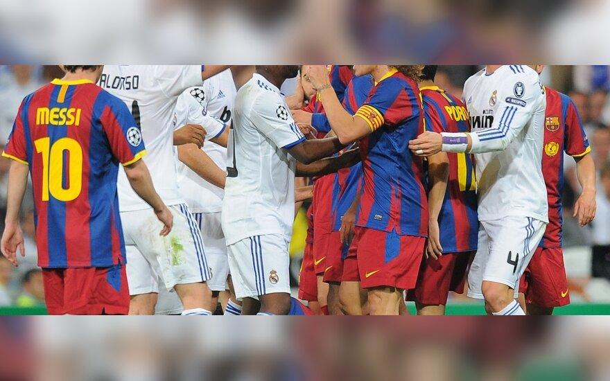 """""""Real"""" ir """"Barcelona"""" futbolininkų ginčai"""