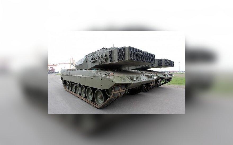 В Латвию прибыла военная техника испанской армии