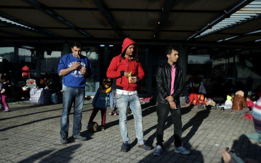 Полиция Македонии применила слезоточивый газ против мигрантов