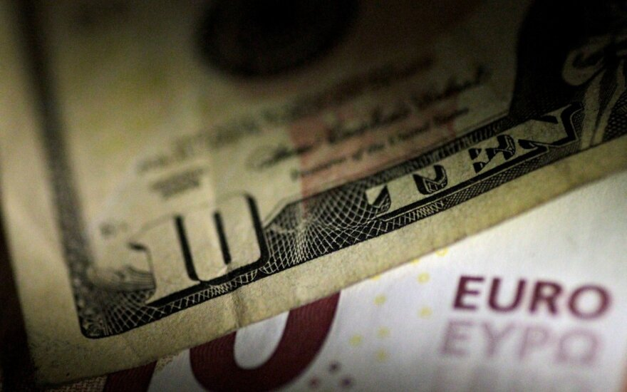 Курсу евро грозит дальнейшее снижение не только из-за Италии