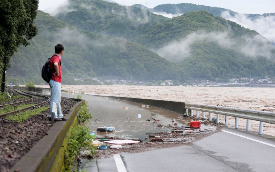 ФОТО, ВИДЕО. Разрушительные наводнения в Японии: полсотни жертв, десятки пропали без вести