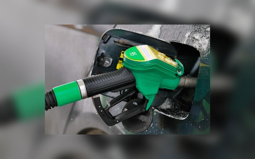 За год бензин подорожал на 40, дизельное топливо – на 70 центов