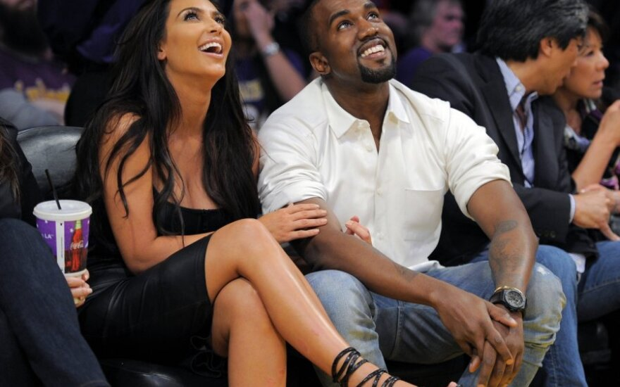 Kanye West dwa razy w łóżku