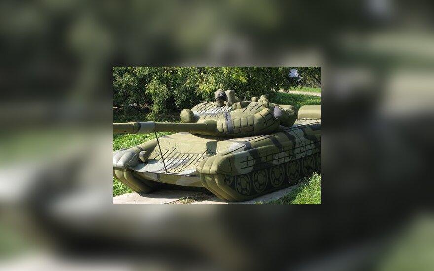 Россия вооружится надувными танками и самолетами