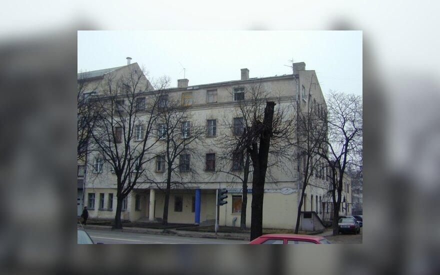 Погибла трехлетняя девочка, которая выпала из окна