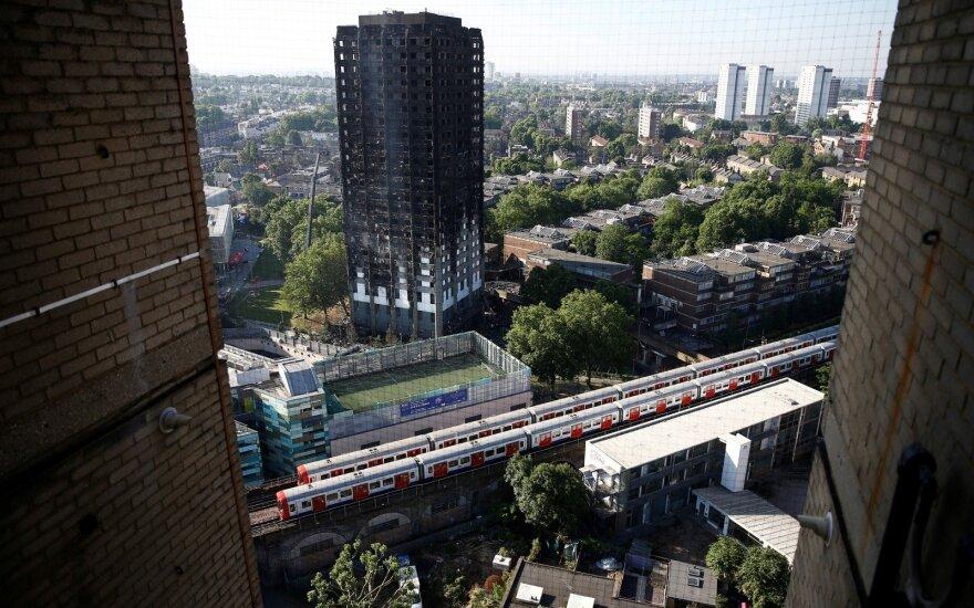 Число погибших при пожаре в лондонской высотке выросло до 30