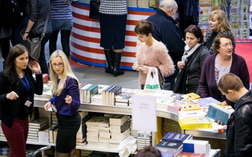 На книжной ярмарке в Вильнюсе - белорусский стенд