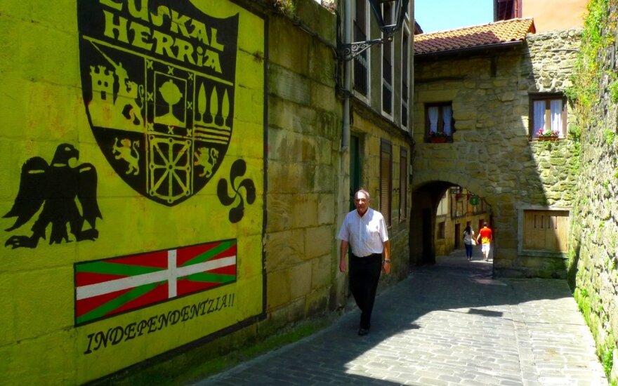 Жители Страны Басков ради независимости встали в цепь длиной в 200 км