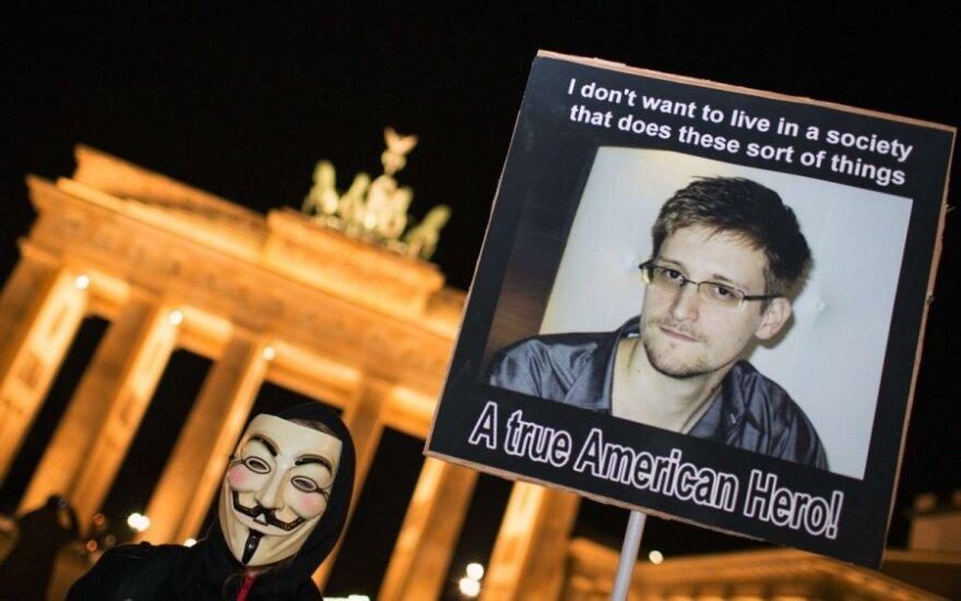 E. Snowdeno palaikymo protestas Berlyne