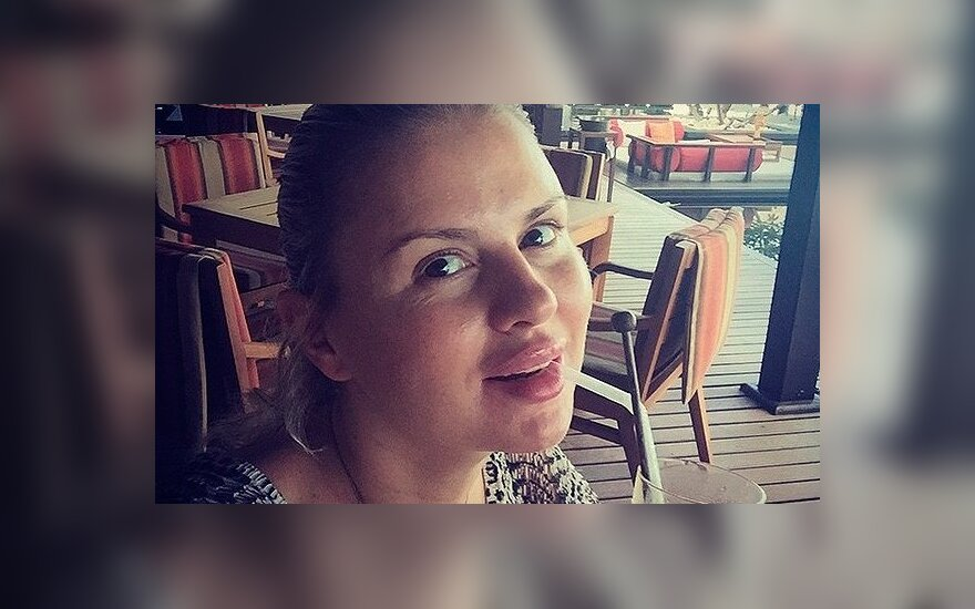 """""""От Вологды до дома ехала и вся побелела"""": Анна Семенович отравилась на гастролях"""