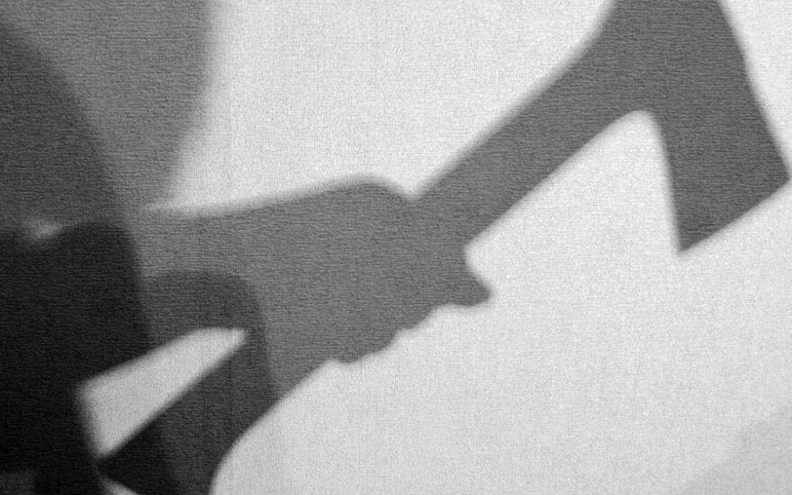В Вильнюсе грабитель в маске разбил витрины магазина и сбежал с кассой