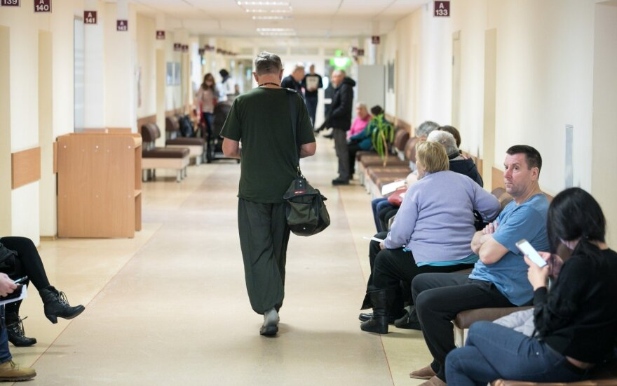 """В больнице Калининграда появилась очередь для тех, кому """"просто спросить"""""""