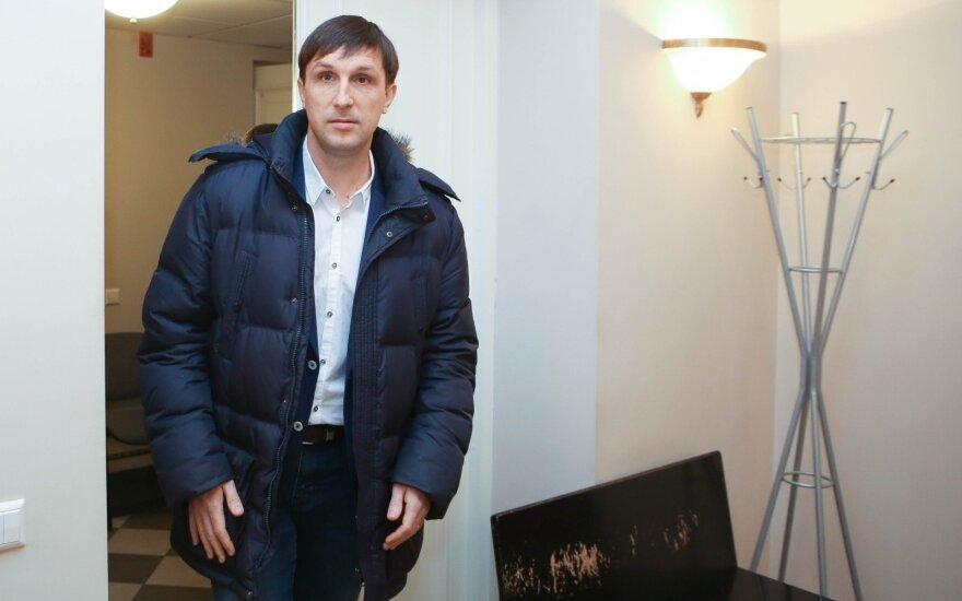 На пропагандистских состязаниях в России – Сахарук и перевернутый триколор