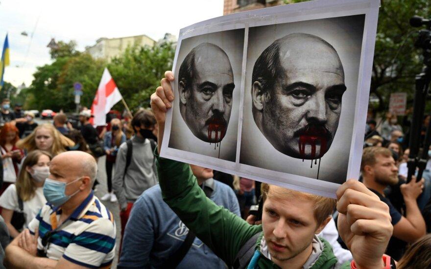 Дмитрий Крапивенко. Как воспринимает украинская власть и общество события в Беларуси?