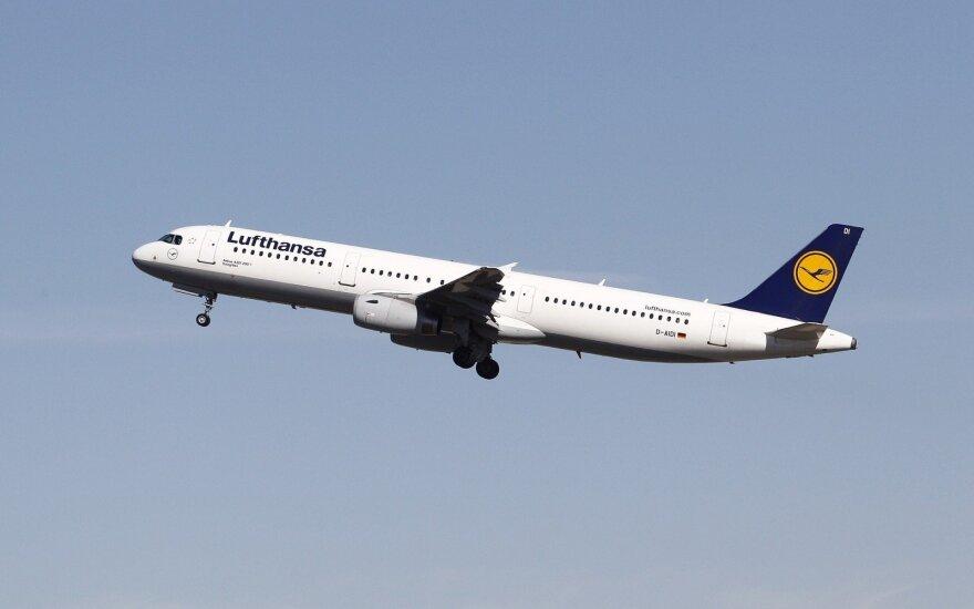 Правительство разрешило возобновить авиарейс Вильнюс-Франкфурт