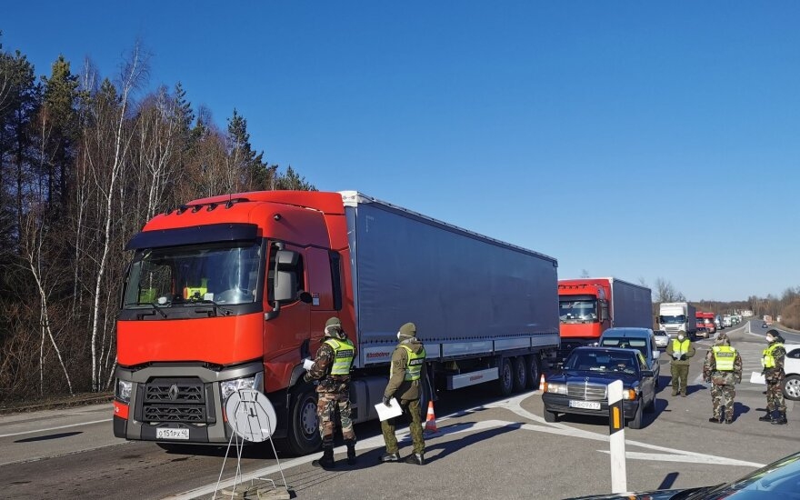 Linava: очереди на границе Литвы и Польши выросли до 30 км, застряли порожние фуры