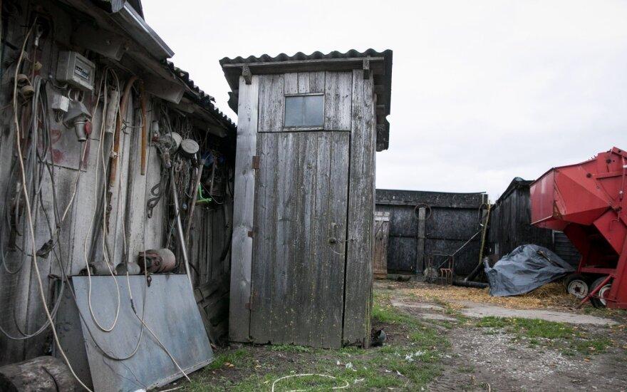 За уличные туалеты в Литве будут штрафовать, времени остается все меньше