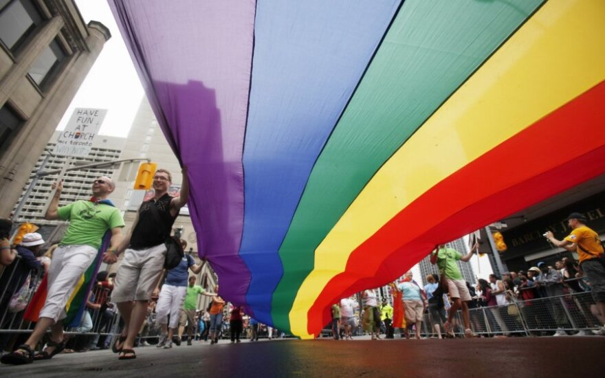 В Париже задержаны почти сто противников однополых браков