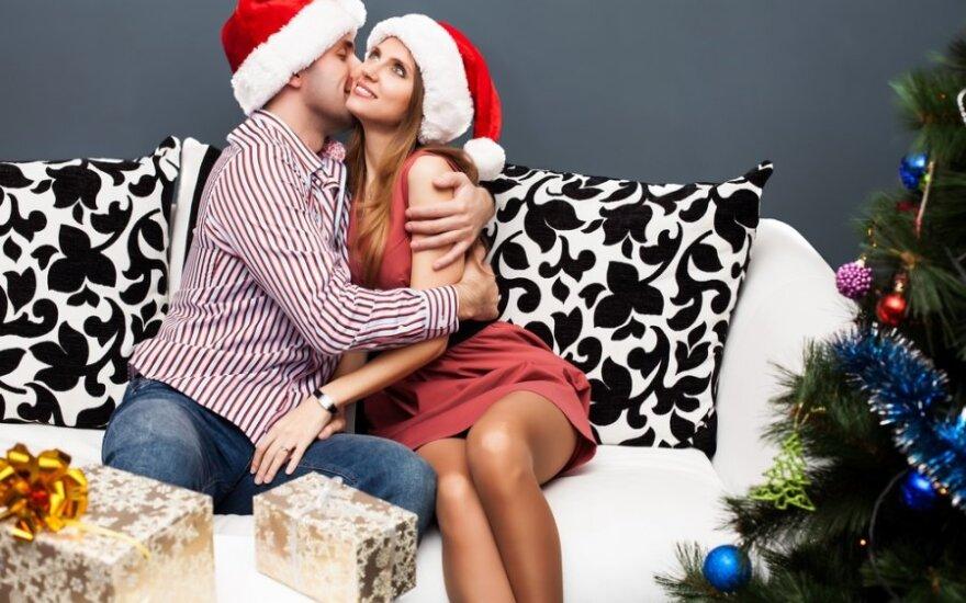 Секс в новогоднюю ночь: как отвлечь мужчину от стола