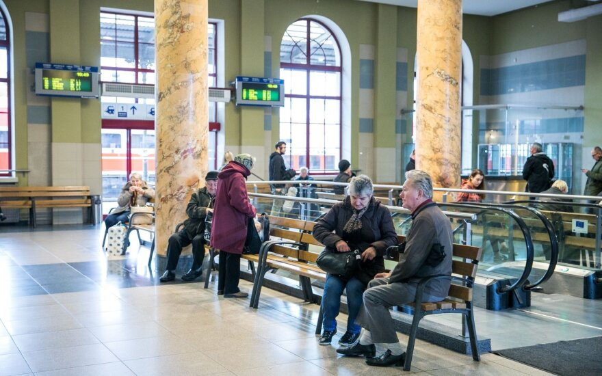 В туалете Вильнюсского железнодорожного вокзала обнаружено тело женщины