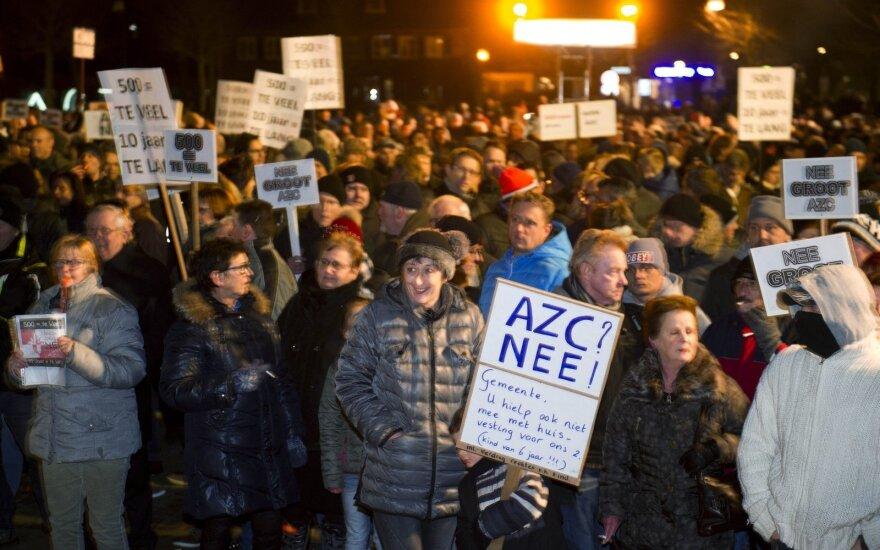 В Нидерландах спецназ разогнал демонстрацию против беженцев