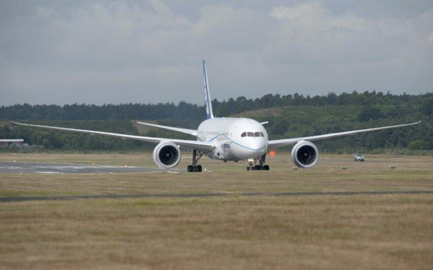 Пассажирский Boeing экстренно сел в Красноярске