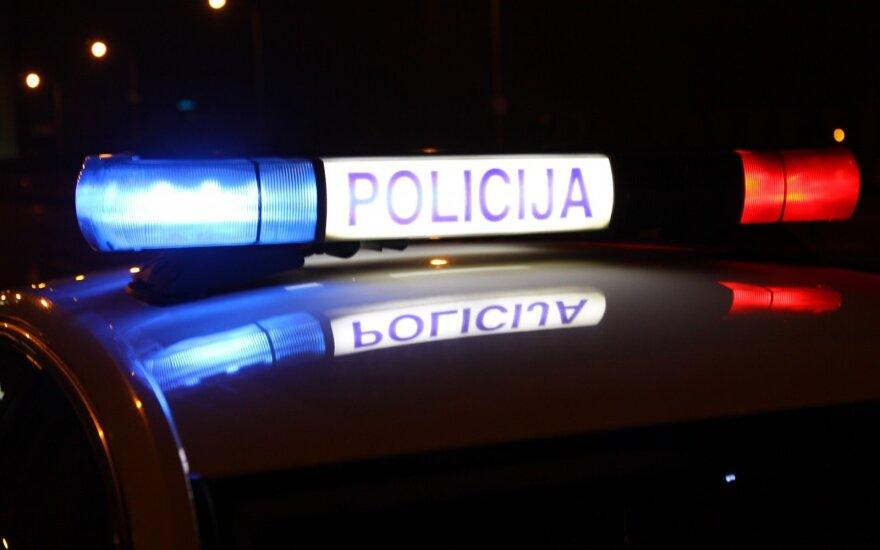 В Алитусе у кафе был жестоко избит полицейский