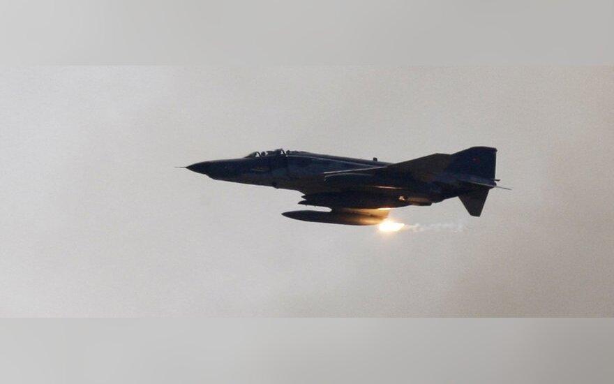 Turkijos naikintuvas F-4
