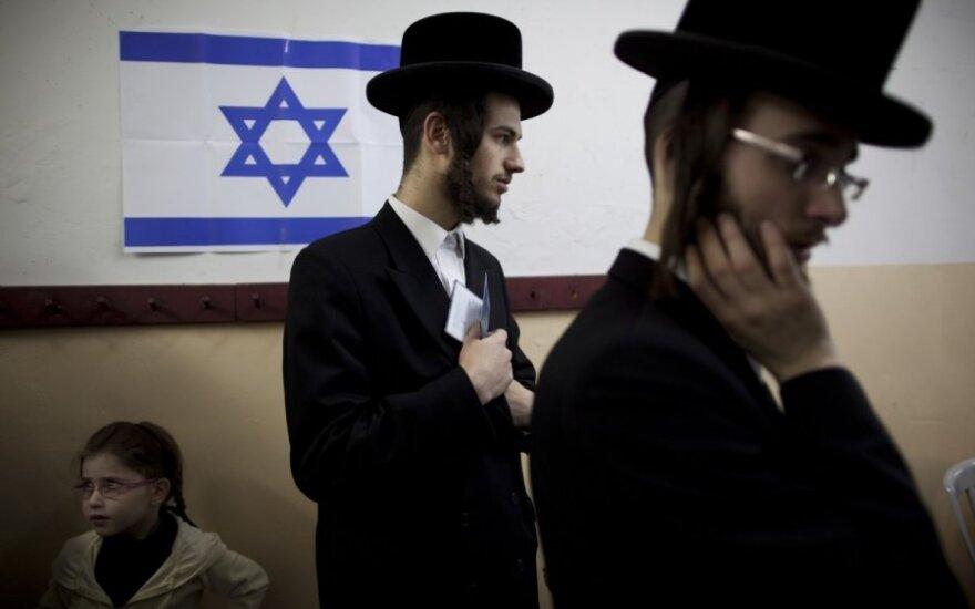 Ambasador Niderlandów: W naszym kraju Żydom odradza się zakładanie kapelusza