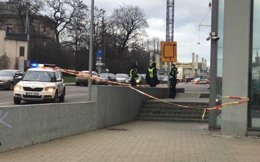 В Вильнюсе с 6 этажа выпала девушка