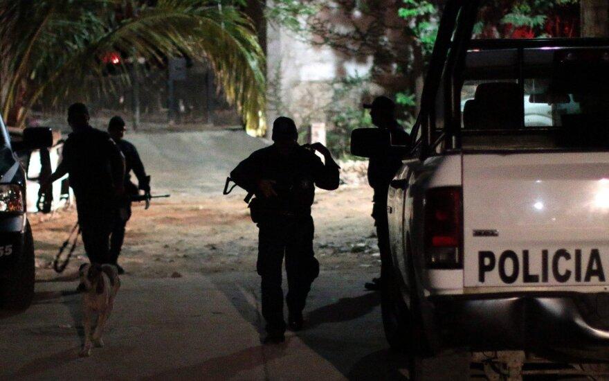 В Мексике неизвестные расстреляли 15 человек, в том числе пятерых детей