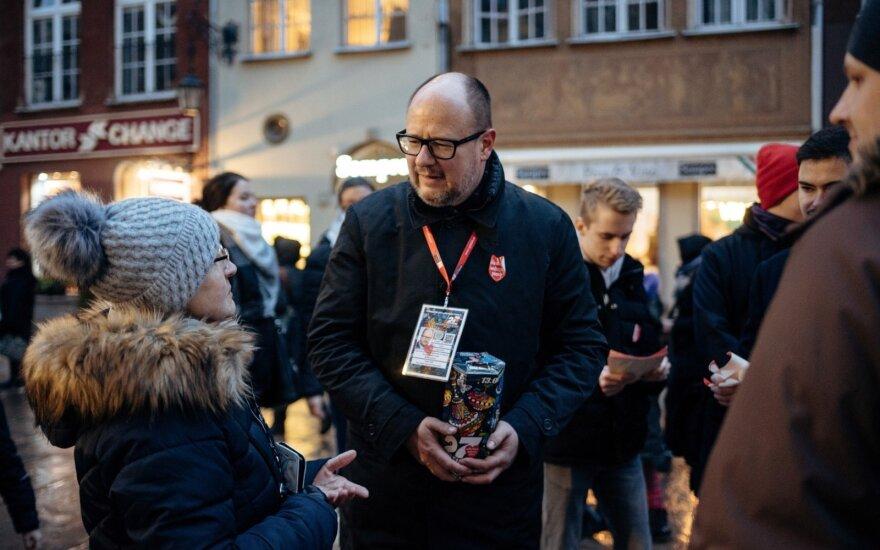 Gdansko meras subadytas ant scenos per labdaros koncertą