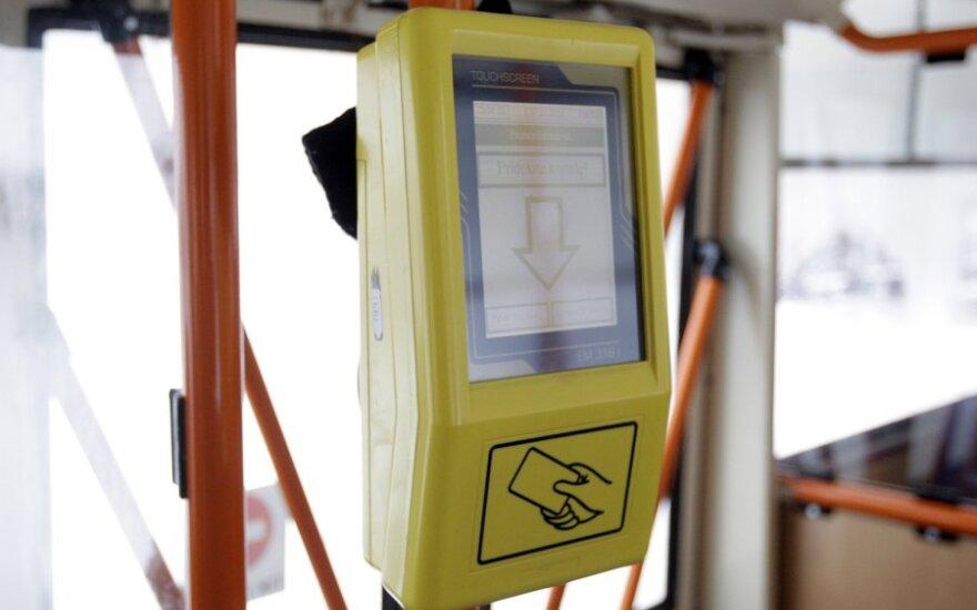 Дорога вильнюсцев на работу: бумажных билетов нет, электронная система не действует