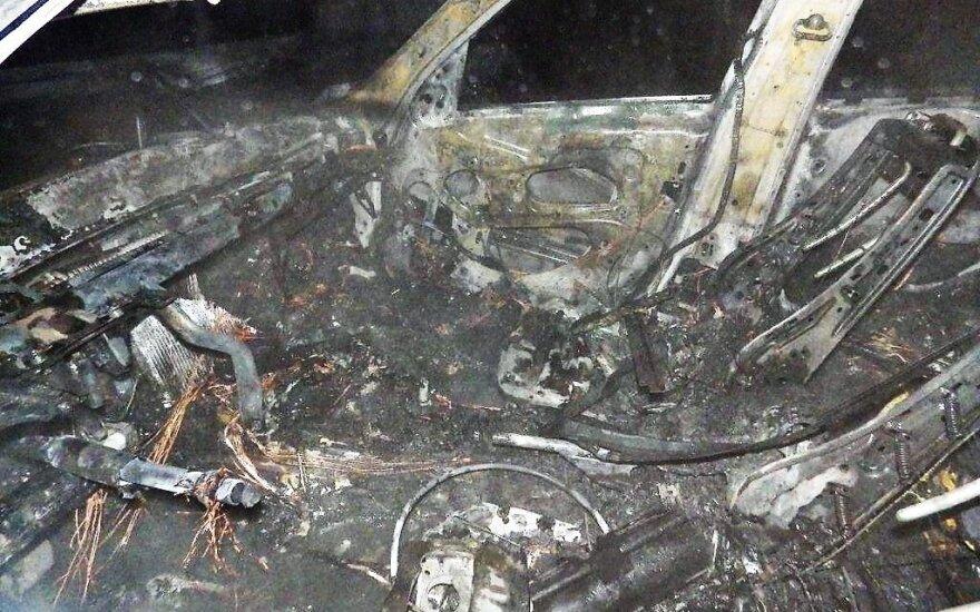 В Тельшяй подожгли BMW, ущерб 18 000 евро