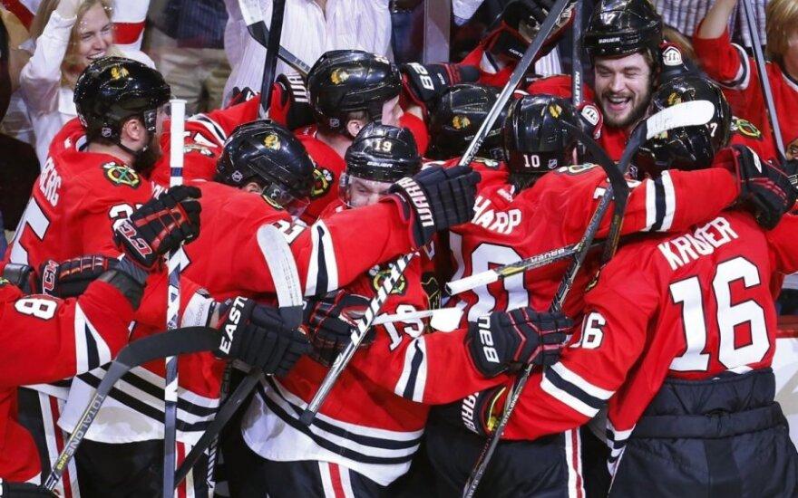 """""""Blackhawks"""" ritulininkai džiaugiasi pergale"""
