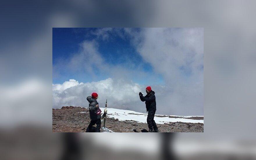 Девятилетний мальчик покорил высочайшую гору западного полушария