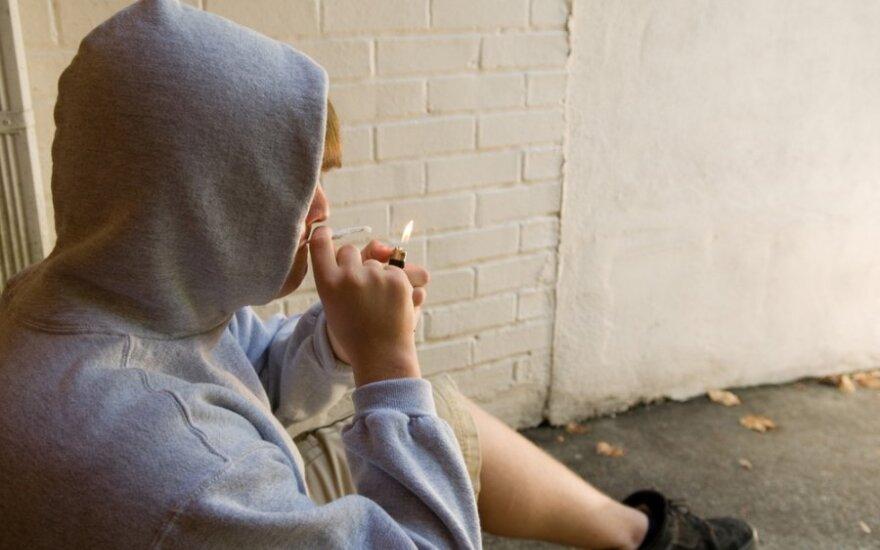 Rośnie liczba palących nastolatków
