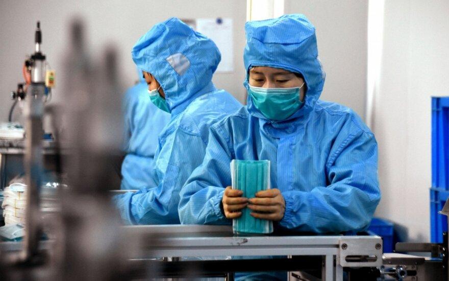 В Китае число погибших от коронавируса превысило 300 человек