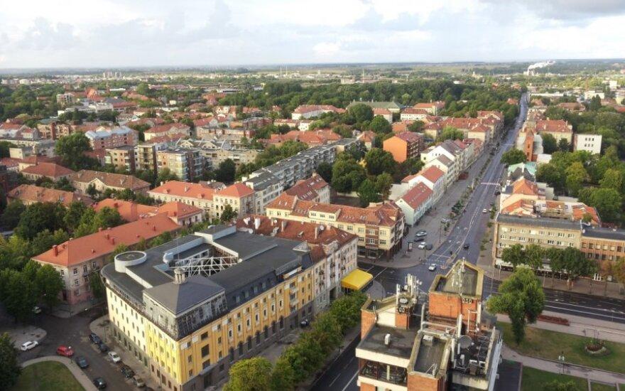 В Клайпеде девочка выпала с пятого этажа