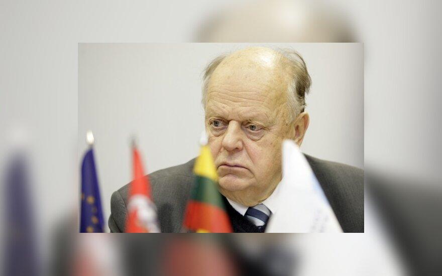 Шушкевич: Лукашенко будет торговаться заключенными