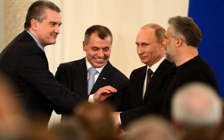 Путин подписал договор о вхождении Крыма в РФ, Украина не признает
