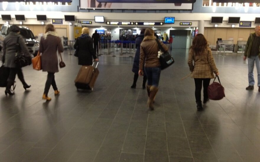 Сколько же белорусов хотят навсегда уехать из страны?