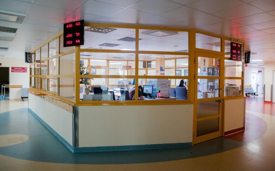 В Шяуляйскую больницу доставили нетрезвую несовершеннолетнюю