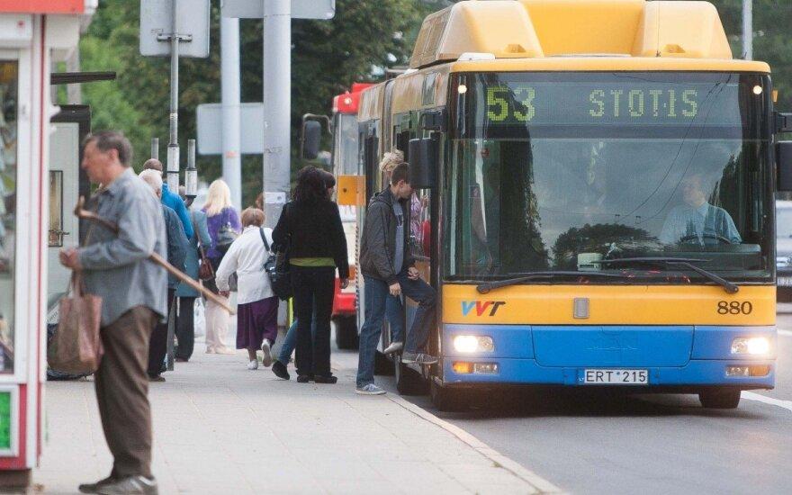 Хотят запретить разговаривать по телефону в общественном транспорте