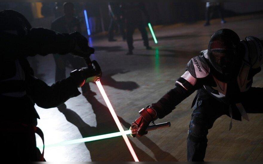 Дуэли на световых мечах во Франции признали официальным видом спорта