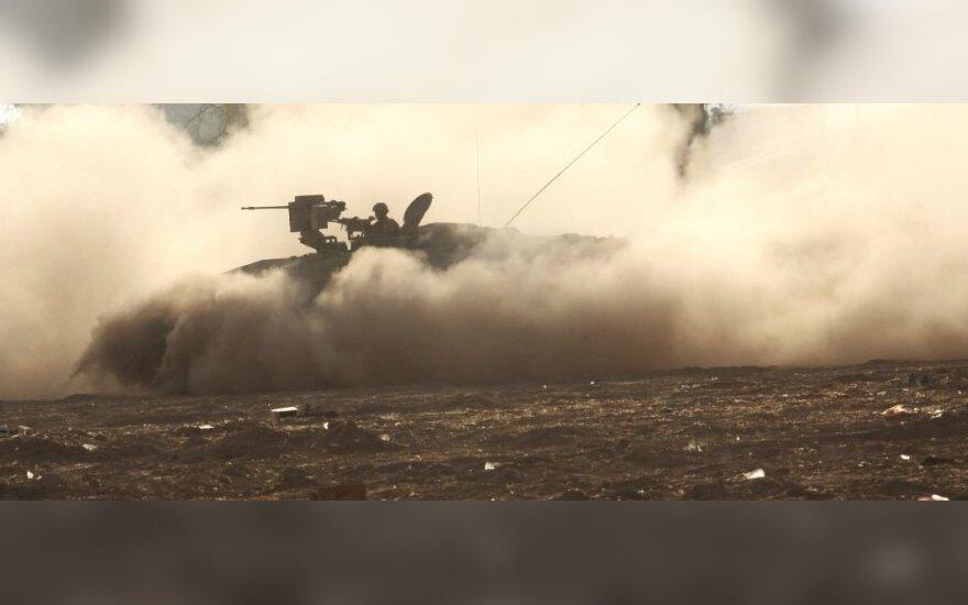 Израильская армия наносит удары по сектору Газа