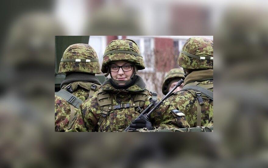 На параде в Таллине промаршировали более тысячи военных